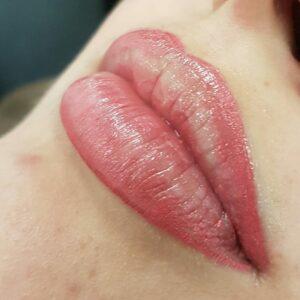 ricare-dettingen-permanent-make-up-lippenkontur-mit-teilschattierung